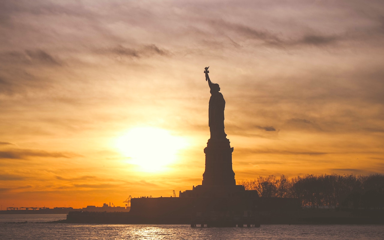 Cheap Flights for Spring - New York City Statue of Liberty