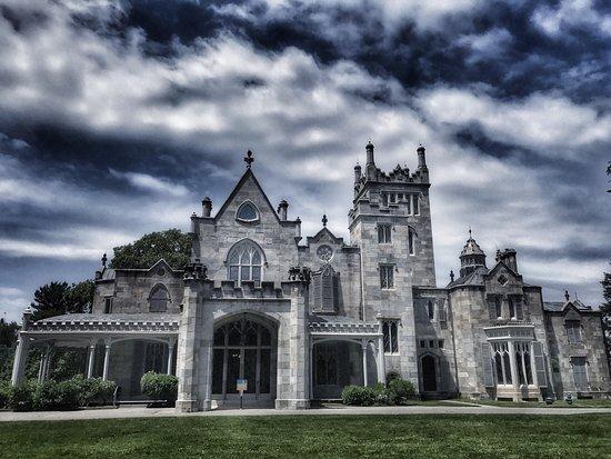 lyndhurst mansion ny