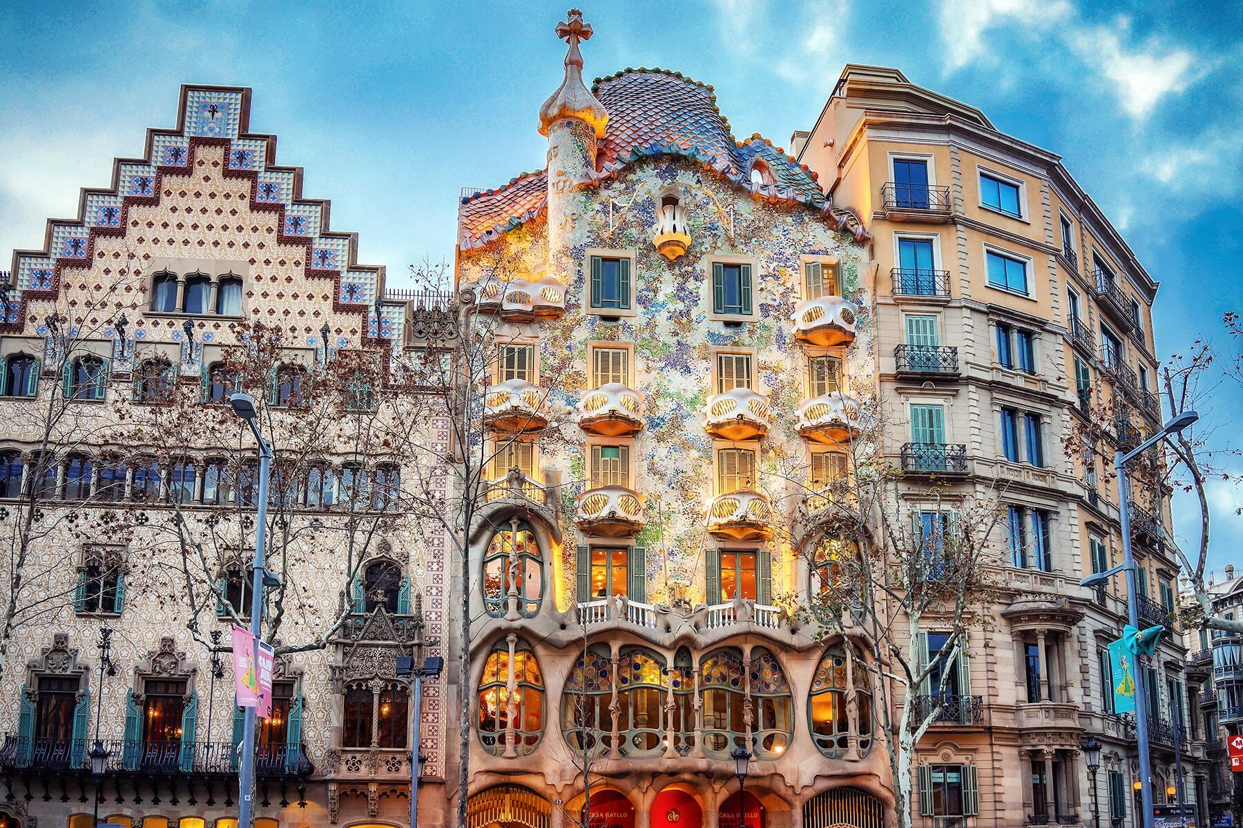 visit barcelona in december
